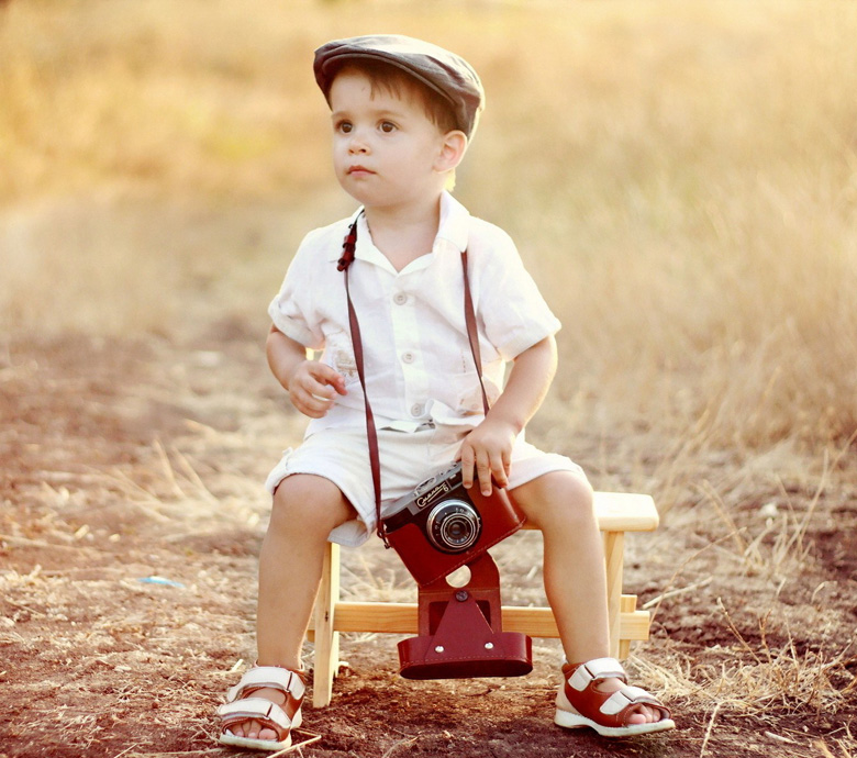 boy-child-camera-photo-wallpaper-1920x12001