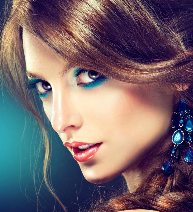 model-girl-earrings-makeup-fashion-wallpaper-1680x1050
